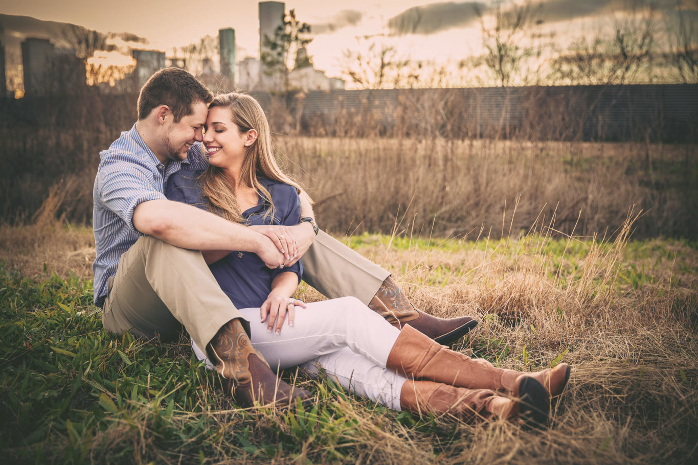 houston downtown skyline hogoboom engagement portrait by steve lee photography